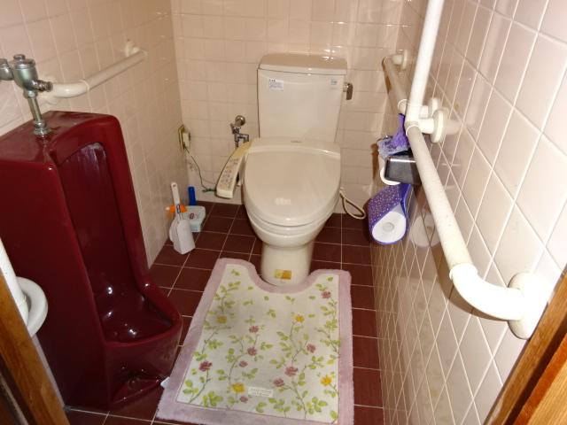 寒くて匂う築30年のトイレから、清潔で清掃性の高いトイレにする工事 | 愛知県西尾市W様
