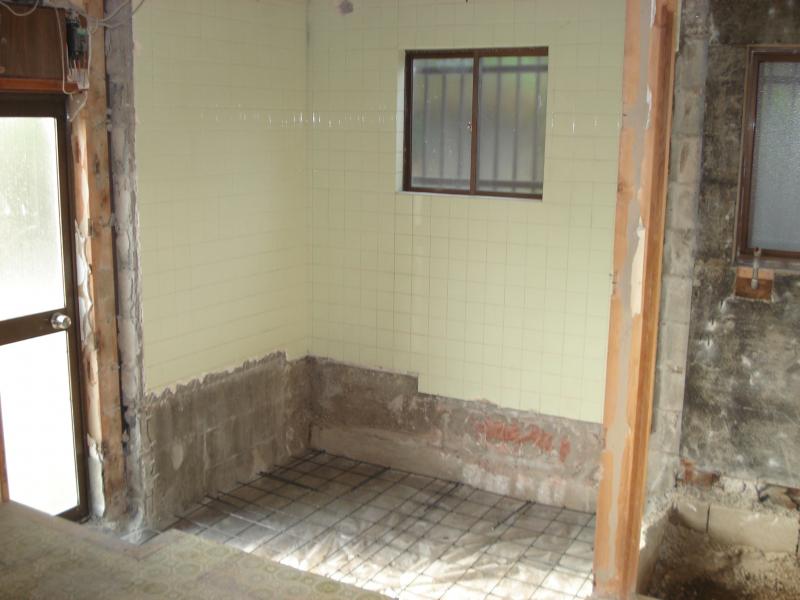 柱が邪魔だった浴室