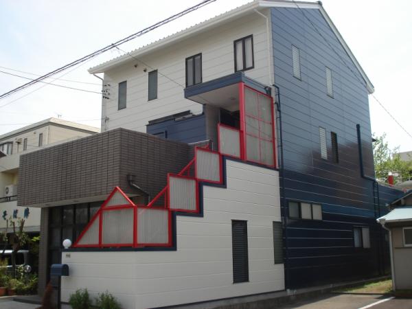 劣化しにくい塗料を使って、外壁の雨漏りを防ぐ