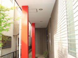 住宅の柱も塗装しました