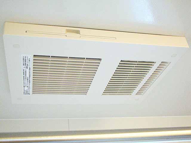 リクシルキレイユの浴室暖房乾燥機