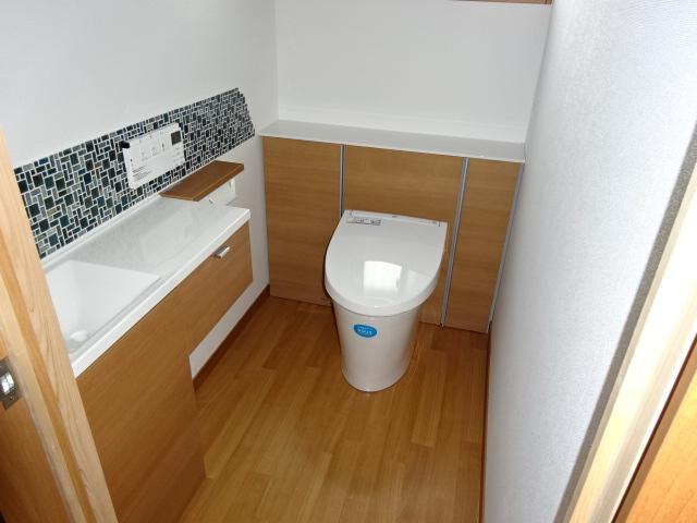 W邸トイレ リクシルのリフォレ
