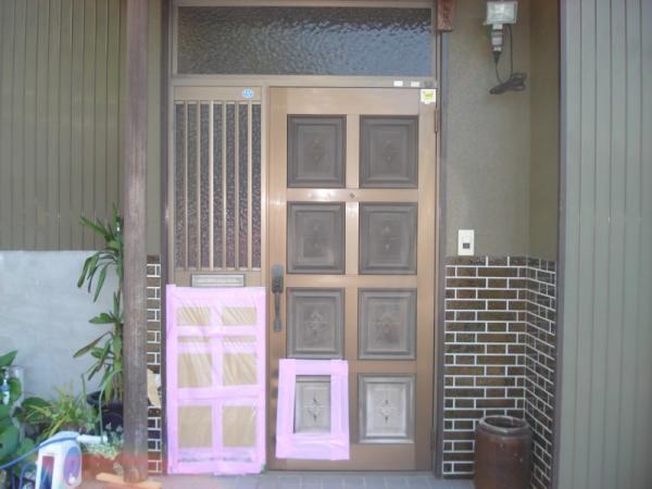 カバー工法をする前の玄関ドア