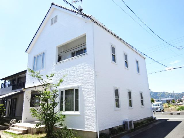 外壁塗装で家を守りながら、窓枠の腐食を防ぐ工事 | 愛知県豊川市I様