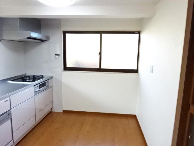 平らになったキッチンの床