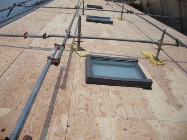 二重構造の屋根にする
