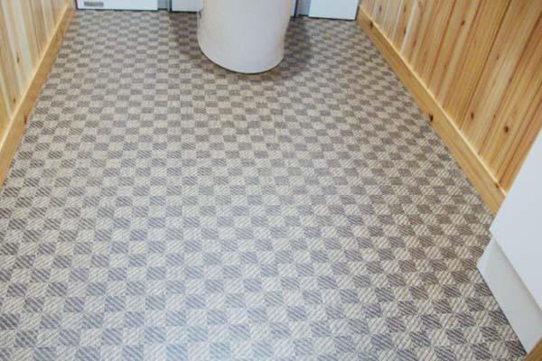 トイレの床をフローリングにする