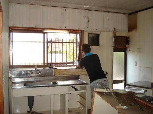 キッチンのリフォーム中の風景