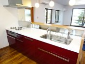 キッチンの収納を引き出しタイプにして、整理整頓を楽にする方法